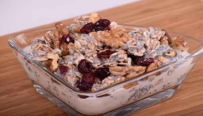 Oats with chia walnuts and cranberries for plant-based omega 3